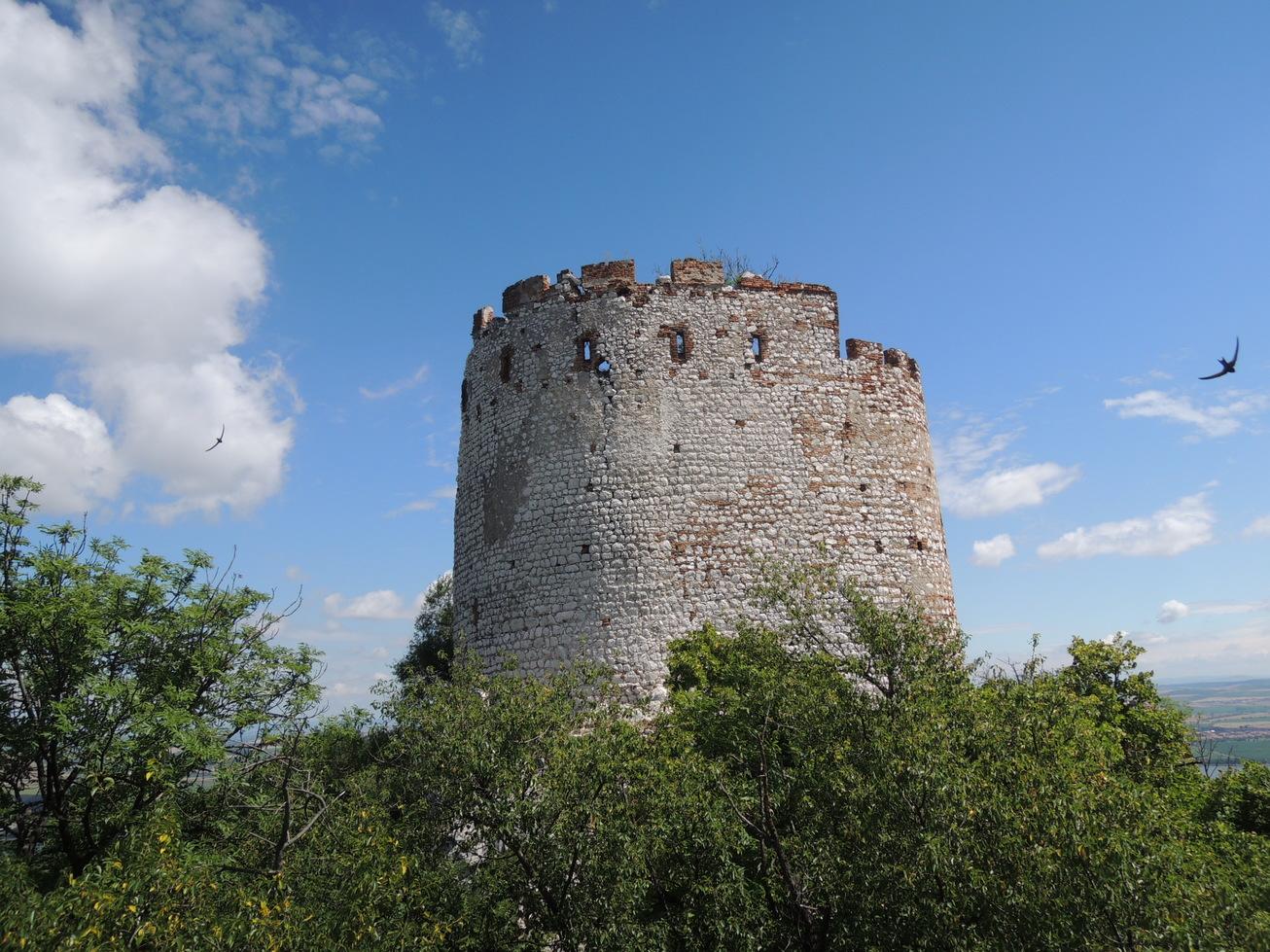 Dívčí hrad (Děvičky)