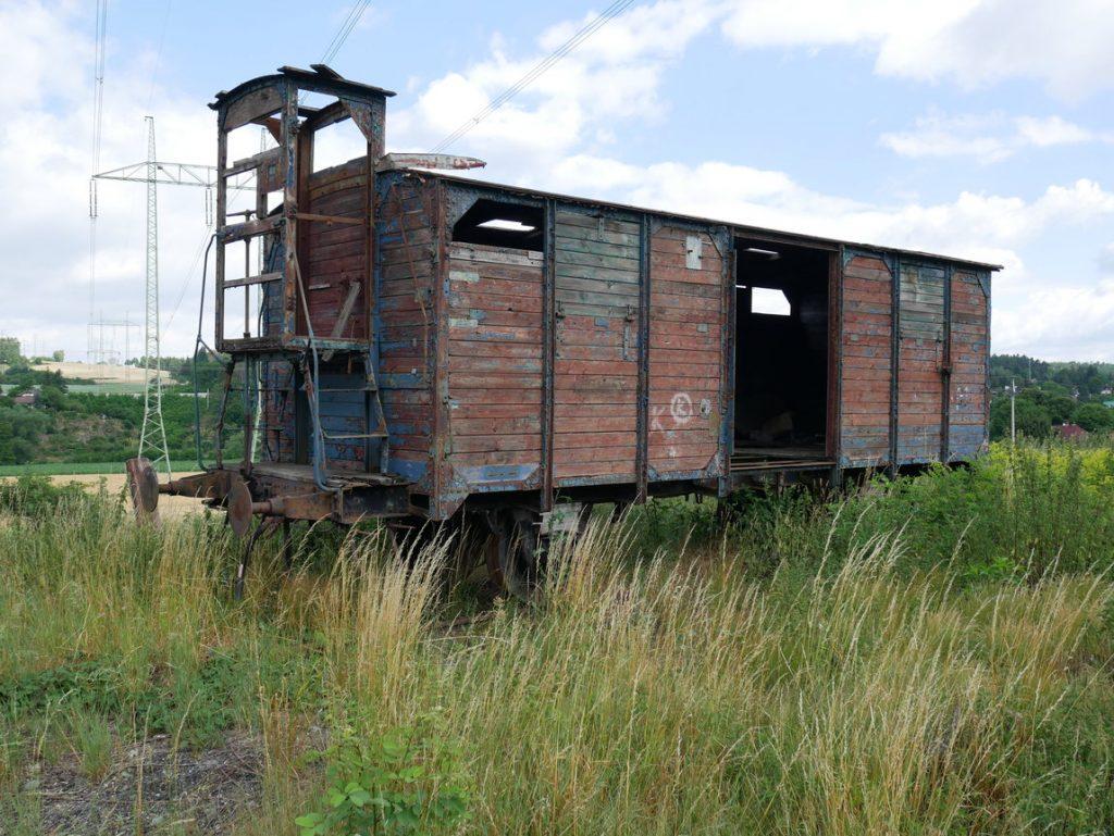 Lštění – kolejiště se starými vagony